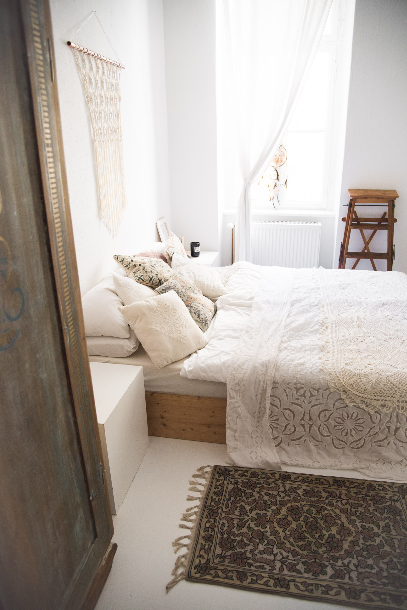 white boho bedroom-5
