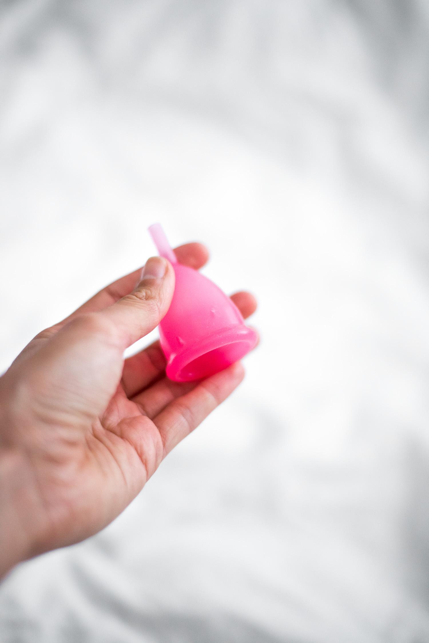 menstruationstasse auf reisen-1-3