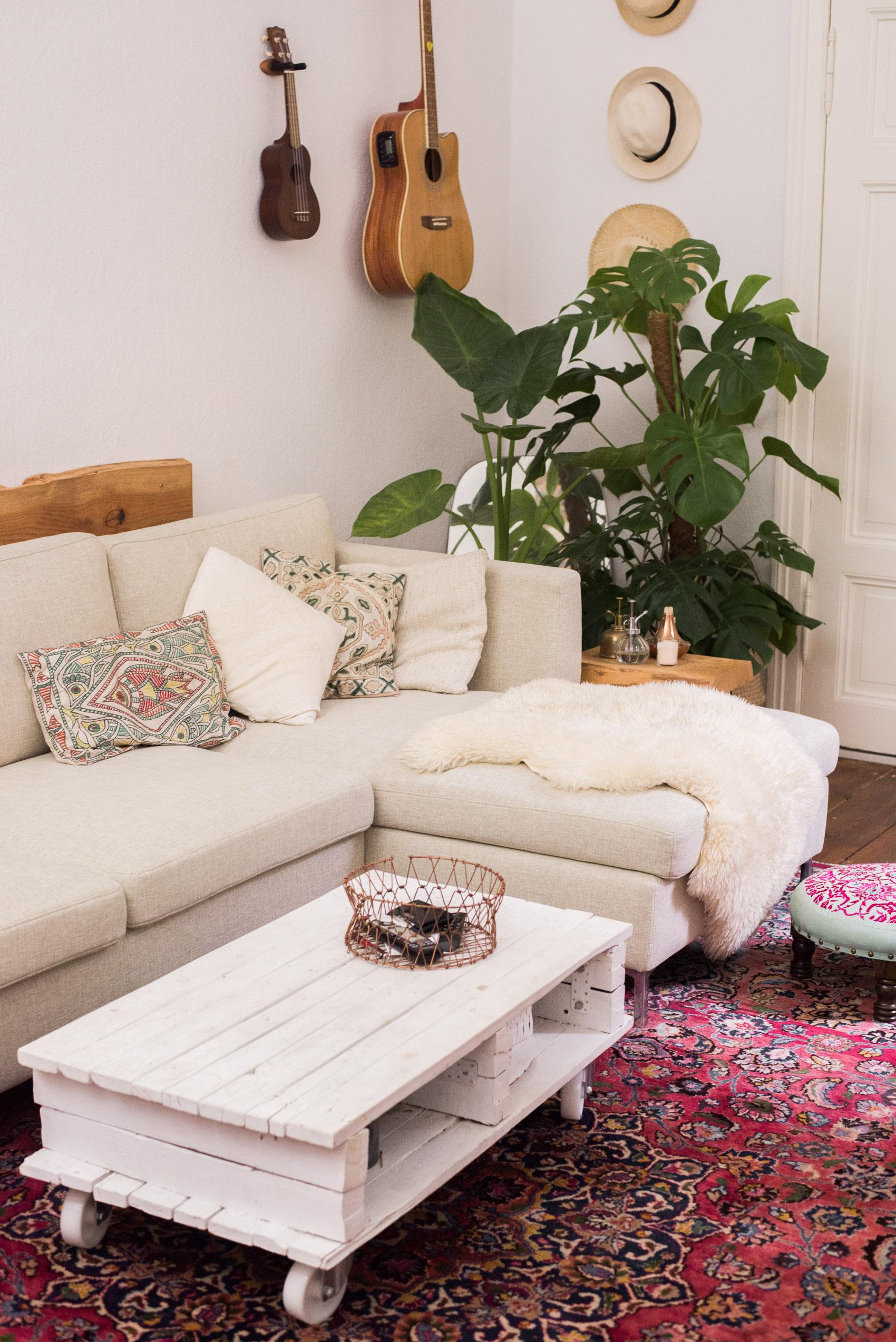 Boho Living Room Update: Our perfect sofa! - heylilahey.
